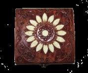 Pudełko na biżuterię z metalowym dekorem