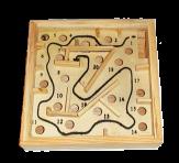 Игрушка лабиринт