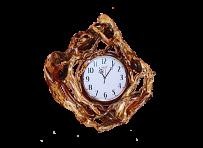 Часы в деревянном обрамлении